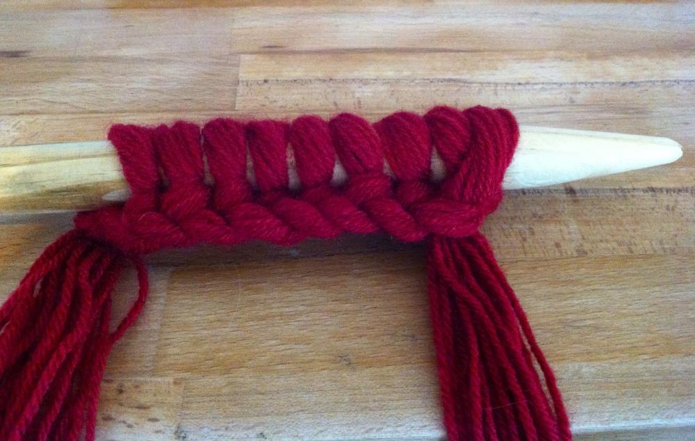 Extreme Knitting Cushion (2/6)